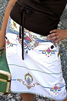 icandy handmade: (giveaway) Sew What! Skirts This looks so cool! Upcycling Fashion, Diy Fashion, Sewing Clothes, Diy Clothes, Linens And Lace, Vintage Embroidery, Embroidery Store, Embroidery Patterns, Vintage Fabrics