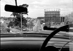 Driving in 1950 was really a simpler time.    Driving East down Toorak Road towards Tooronga Road. Tooronga gasometer on the right.   No Monash Fwy or Toorak drive-in on the hill.