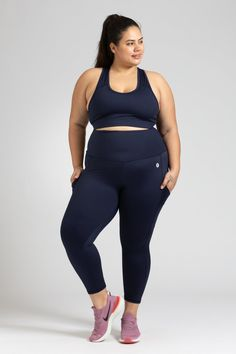 Smart Pocket 7/8 Length Tight - Navy – Active Truth™ Tights, Leggings, Perfect Fit, Sporty, Pockets, Crop Tops, Navy, Fabric, Model