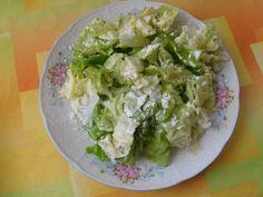 V horkých dnech je toto výborný salátek buď k hlavnímu jídlu nebo jen tak na svačinku třeba s kouskem celozrnného pečiva.