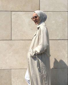 Modest Fashion Hijab, Casual Hijab Outfit, Modern Hijab, Selfie Poses, Ava, Cool Photos, Raincoat, Womens Fashion, Outfits