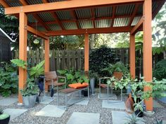 I'm very excited to share the outdoor space of Portland gardener Loree Bohl