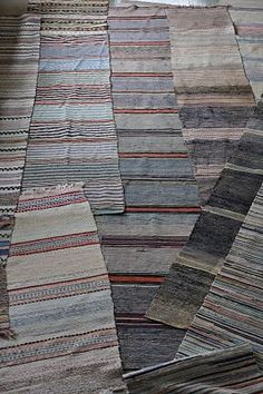 Carpet Tiles, Carpet Flooring, Rugs On Carpet, Hardwood Floor Care, Scandinavian Embroidery, Natural Flooring, Plush Carpet, Carpet Installation, Rugs