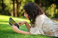 10 razones para instalar un antivirus en tu móvil o #tablet #Android - Panda Security News. ¿No sabes si instalar o no un #antivirus para tu móvil o tableta Android? Aquí tienes 10 razones que te sacarán de dudas. 1. El S.O. de #Android es cada vez más popular Los dispositivos móviles están en el punto de mira de los #ciberdelincuentes por una razón de peso: son muy populares. http://soporte.pandasecurity.com/blog/consejos/10-razones-para-instalar-un-antivirus-en-tu-movil-android/