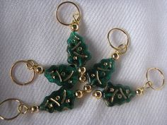 Stitch markers set of 5 green and gold christmas by KatKeRosCorner, $10.00