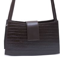 Diseño clásico y simple, compacto y ligero, el modelo Lara es una elección atemporal para la sofisticación del día y la noche. Colores cuidadosamente seleccionados, siendo sencillo el combinar varios estilos de vestidos y de zapatos. #ginok #bolso #ginokbolsos #ginokbolsodehombro #bolsos #complementos #marroquineria #diseñadoenespaña #españa #hechoamano #moda #estilo #modafeminina #modamujer #mujerModerna #hechoenespaña #tendencia #tendencias #madeinspain #handbags #bags #handbag #handmade