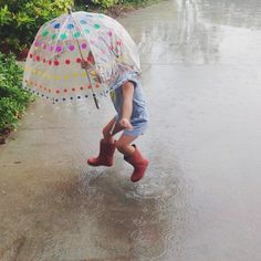 Jumping in puddles Tea Party Photography, Rain Photography, Children Photography, Love Pictures, Pictures To Paint, Kelle Hampton, Dance Moms Funny, Red Rain Boots, Little Girl Dancing