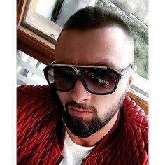 Majk Albania, Famous People, Singers, Rapper, Mario, Mens Sunglasses, Stars, Celebrities, Beauty