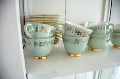 Figgjo Grønn Marie Mint And Navy, Mint Blue, Yellow Cottage, Vintage Cups, Green Day, Peppermint, Tea Pots, Retro, Tableware