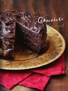 Revista Digital com Receitas para o Almoço de Páscoa - Bolo de Chocolate Especial