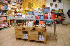 Knotsknetter shop display. Ferm Living. Lapin lamps. Retro kids interior.