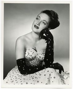 Dorothy Lamour, Rolf Armstrong, Most Beautiful People, Fashion Dolls, Movie Stars, Erotic, Pin Up, Strapless Dress, Glamour