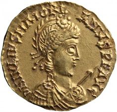 Late Roman Empire gold coins found in Netherlands - Gold solidus of Majorianus. Photo by Rob Reijnen, courtesy the Museum Valkhof.