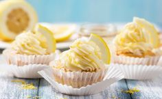 Lemon cream cupcakes like these are sure to disappear at your next potluck or bake sale. Grated lemon peel and sour cream make these treats extraordinary. Diva Cupcakes, Oster Cupcakes, Cupcakes Oreo, Lemon Cupcakes, Cupcake Recipes, Dessert Recipes, Desserts, Quick Dessert, Raffaello Muffins