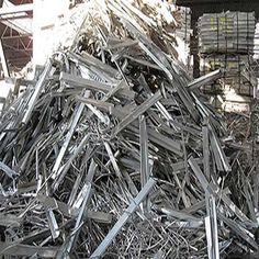 Aluminum extrusion Clean generally refer to clean aluminum material that has no plastic, dirt, glass, or anything else on it. Recycling Steel, Scrap Recycling, Garbage Recycling, Copper Prices, Metal Prices, Metal For Sale, Metal Shop, Aluminum Cans, Aluminum Radiator