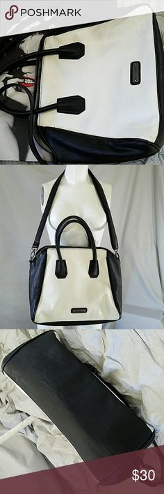 Steve Madden Bag 13.5 across bottom  11 height  5 inches from top of handle to top of bag   Wear on bottom corners, see photos  Price reflects for the wear Steve Madden Bags Shoulder Bags