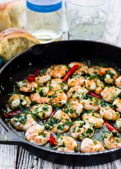Spanish Style Garlic Shrimp - Mommy's Home Cooking If you love Spanish tapas as much as I do you need to try this Spanish Style Garlic Shrimp recipe (gambas al ajillo).They're easy to make and flavorful. Spanish Shrimp, Spanish Tapas, Spanish Style, Spanish Food, Shrimp Recipes, Fish Recipes, Healthy Drinks, Healthy Recipes, Healthy Meals