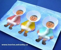 Bastelei Cute craft using cupcake liners to teach your children about the Inuit people Winter Art Projects, Winter Crafts For Kids, Winter Kids, Projects For Kids, Art For Kids, Kindergarten Art, Preschool Activities, Christmas Activities, Daycare Crafts