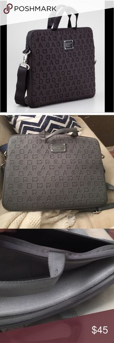 """Marc by Marc jacobs 15"""" laptop case in gray Gently used. 15"""" laptop case. No flaws. MAKE ME AN OFFER🎉 Marc By Marc Jacobs Bags Laptop Bags"""