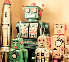 Collection of vintage robots (Robots by suzoc, via Flickr)