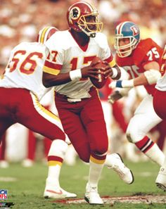 Doug Williams - leading the Washington Redskins to victory in Super Bowl XXII over the Denver Broncos in Redskins Fans, Redskins Football, Redskins Players, But Football, Football Players, Super Bowl, Doug Williams, Rugby, Baltimore Colts
