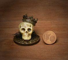 Creepy Miniature Skull for your Dollhouse by DinkyWorld on Etsy