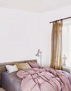 La casa de la interiorista Marie Olsson o cómo combinar con (mucho) estilo diferentes estilos | Etxekodeco