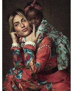 @Gio_ewbank é a estrela de nossa edição do mês das mães que chega às bancas amanhã. Ela conta pela primeira vez os detalhes sobre a adoção de sua filha Titi que estreia num ensaio fotográfico. A revista traz ainda depoimentos emocionantes de famílias que adotaram e lança a campanha #FilhoÉFilho . Imperdível! #FilhoÉFilho #MarieClaireMaio #GiovannaEwbank #Titi #DiaDasMães (Foto @gustavozylbersztajn / edição de moda @larissalucchese / beleza @danielhernandezdh )  via MARIE CLAIRE BRASIL…