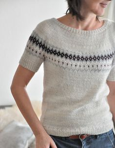 Ravelry: fallmasche's Rhythm is it (Ingrid) The pattern includes the modifications for the Smokey version of Smoke. Summer Knitting, Fair Isle Knitting, Knitting Yarn, Hand Knitting, Pullover Design, Sweater Design, Sweater Knitting Patterns, Knit Patterns, Mosaic Knitting