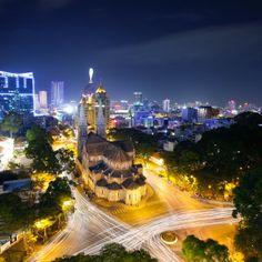 I just found an amazing photo spot 'Saigon Notre-Dame Basilica' on Pashadelic