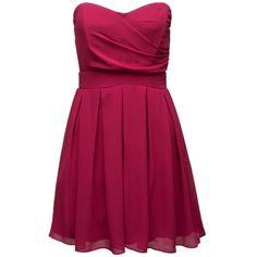 Kleid mit schwingendem Rock. Das hübsche Kleid von TFNC zaubert eine schöne Silhouette und lässt sich super mit zauberhaften Schmuck stylen - ab 49,90€