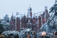 Haunted Mansion Tokyo - Heavy Snow