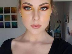 Si eres de las mujeres que les gusta lucir un make up en tendencia y diferente al de las demás, esta técnica para aplicar el blush amarillo te encantará.Ya son varias las bloggers de belleza que muestran esta tonalidad en sus mejillas; olvidándose de los tonos rosas y naranjas a los que se acostumbra.Y aunque aún no existen marcas de maquillaje que tengan esta tonalidad, podrás recrear este look con tus sombras amarillas.