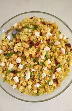 Cuscús con tomates secos y garbanzos | Ensalada de cuscús Queso Feta, Fried Rice, Quinoa, Risotto, Tapas, Recipies, Gluten Free, Cooking, Healthy