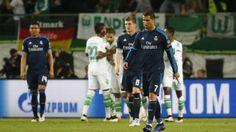Bedient : Weltmeister Toni Kroos und Weltstar Ronaldo nach der Niederlage in Wolfsburg