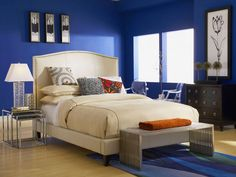 Lisa - king bed by @CORT Furniture