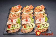Už nemusíte hľadať nič iné: 17 najlepších domácich nátierok na obložené chlebíky + krásne tipy na servírovanie! Catering, Slovak Recipes, Tapas, Good Food, Yummy Food, Canapes, Finger Foods, Sushi, Buffet