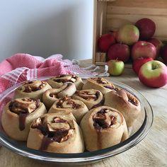 Brioches à la cannelle et aux pommes Apple Pie, Healthy Snacks, Muffins, Tacos, Ethnic Recipes, Desserts, Blog, Apples, Cinnamon