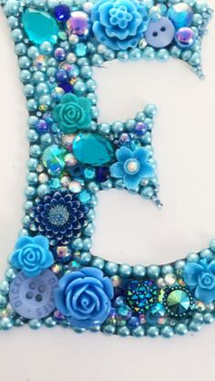 Vintage Jewelry Art Initial letter E button art mixed media - Bead Crafts, Jewelry Crafts, Jewelry Art, Vintage Jewelry, Beaded Jewelry, Jewellery, Creative Crafts, Fun Crafts, Arts And Crafts