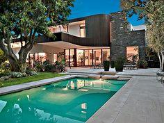 Beverly-Hills-Kunst-gefüllten-Haus-pool-Layout