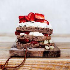 Leivo elämäsi mansikkakakku – neljä ihanaa reseptiä | Soppa365