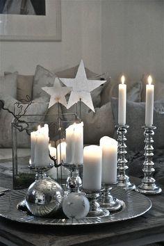 Weihnachtliche Deko mit Kerzen Mehr