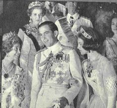 Queen Ingrid wore this tiara for the dinner before the wedding of King Constantine II of Greece and Princess Anne-Marie of Denmark in September 1964 in Greece.