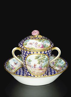 Milk cup and saucer covered in soft porcelain of Sevres, dated 1765 Tea Cup With Lid, Tea Cup Set, My Cup Of Tea, Tea Cup Saucer, Chinoiserie, Teapots And Cups, Teacups, Antique Tea Cups, Chocolate Cups