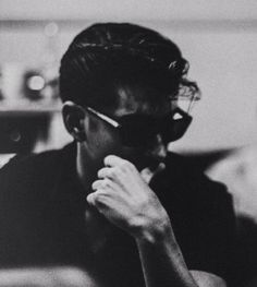Find images and videos about black and white, indie and arctic monkeys on We Heart It - the app to get lost in what you love. Arctic Monkeys, Alex Turner, Matt Helders, Matt Healy, The Last Shadow Puppets, Tyler Blackburn, Jamie Campbell Bower, Portraits, Indie Music