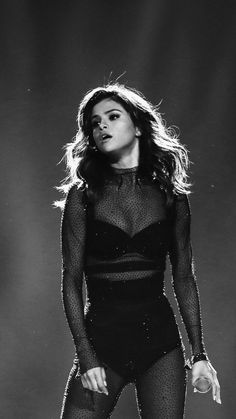 Downaload Selena Gomez performance on stage monochrome wallpaper for screen Samsung Galaxy mini Neo Alpha Sony Xperia Compact ASUS Zenfone Selena Gomez Tour, Selena Gomez Concert, Selena Gomez Cute, Selena Gomez Outfits, Selena Gomez Pictures, Selena Gomez Style, Selena Gomez Tumblr, Selena And Taylor, Taylor Swift