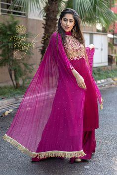 Women's Rayon Kurti, Bottom And Dupatta Set Indian Designer Outfits, Indian Outfits, Designer Dresses, Bridal Dresses, Girls Dresses, Casual Formal Dresses, Frock Fashion, India Fashion, Churidar