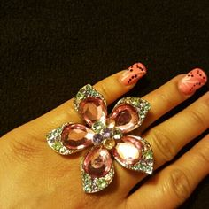 🌸🌸Flower Ring🌸🌸 🌸💖🌸💖Never worn beautiful for the spring colors Other