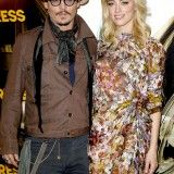 "Amber Heard  and Johnny Depp , it's serious. We will say! We told you,  Johnny Depp would love over the head with  his pretty blonde brunette now, but would have scared becauseAmber still sees her ex and be a free spirit . Both players are about to make a public release (telling their friends that they are officially together) and would even say "" I love you . "" We do more silly!"