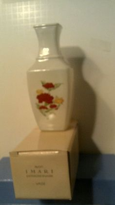 RHTF VTG 1991 AVON  IMARI  EXRAORDINAIRE VASE -NEW IN BOX-FREE SHIPPING Flower Vases, Avon, Different Colors, Vintage Items, Free Shipping, Antiques, How To Make, Ebay, Antiquities